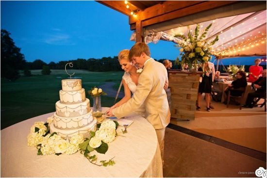wedding cake, christen jones photography, spring creek ranch, memphis weddings, southern bride