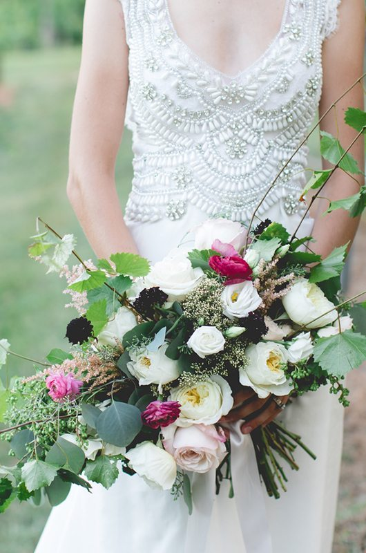 blue_mountain_vineyard-bouquet_dress