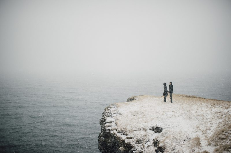 Icelandic_Engagement_Shoot-cliff_shot