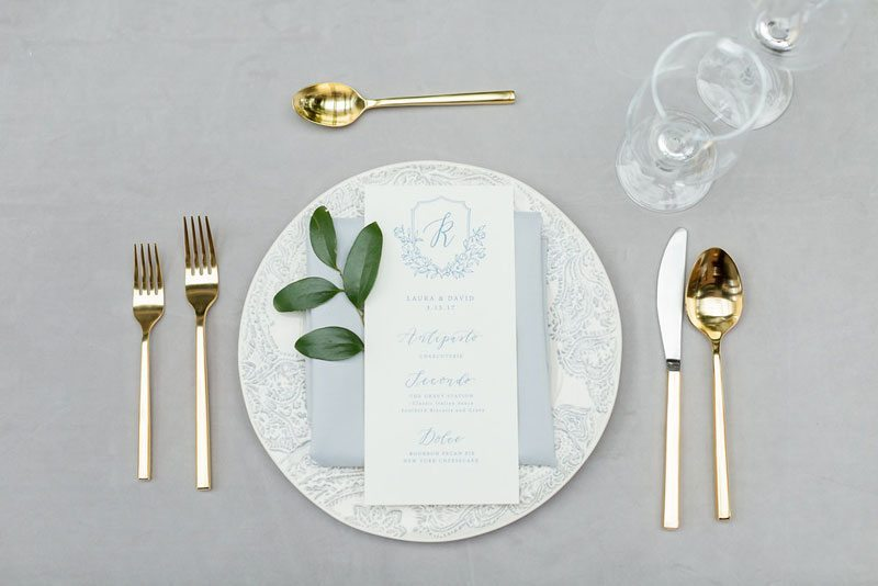 New_York_Style_Wedding_Inspiration-dinner_place_setting
