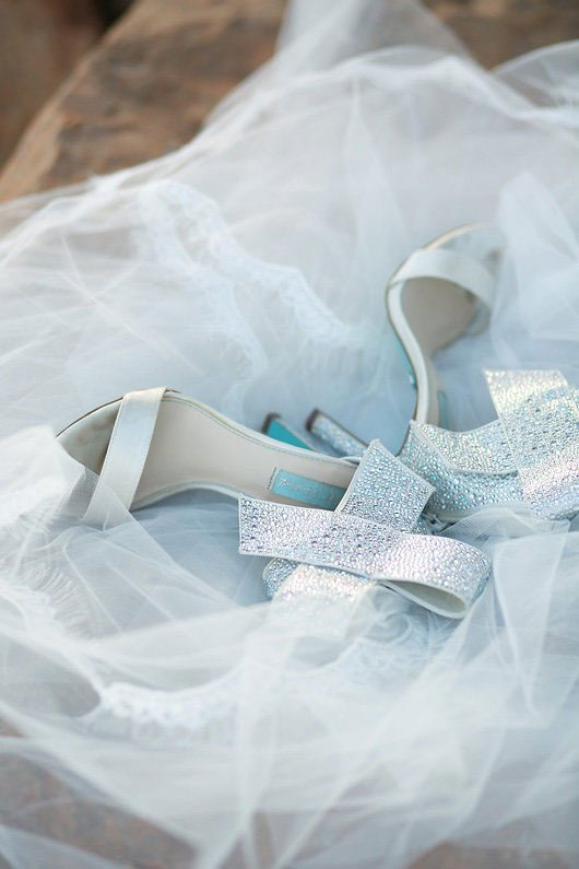 Winter_Wedding_Inspiration_by_Douglas_Lake-silver_shoes_and_veil