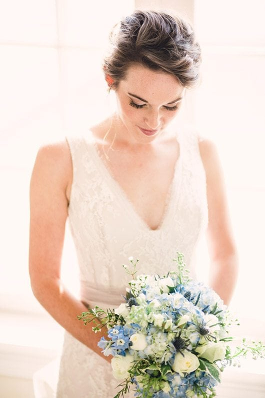Blue_and_White_Wedding_Inspiration-bridal_bouquet