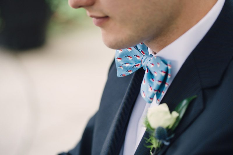 Blue_and_White_Wedding_Inspiration-close_up_of_bowtie