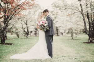 Daydreaming_of_a_southern_wedding_in_Spring-in_the_trees