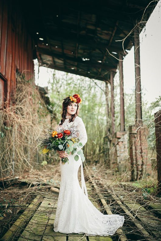 Industrial_Warehouse_Shoot-bride_on_railroad_track