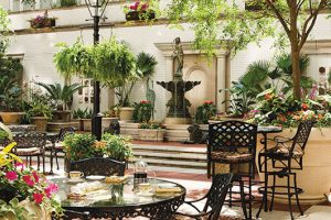 NOLA_Ritz-outside_sitting_area_with_fountain