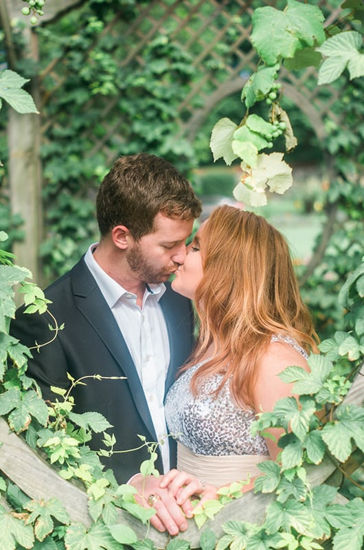 Bilmore Engagement Session Green Kiss