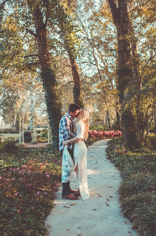 Fall Engagement Session In The Heart Of Georgia Kiss