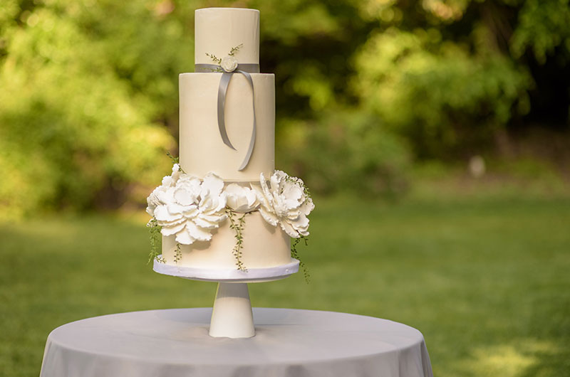 Chic Garden Wedding Inspiration Cake