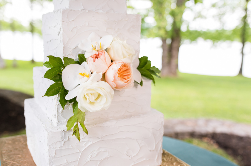 Formal Southern Wedding Inspriation Cake Flowers