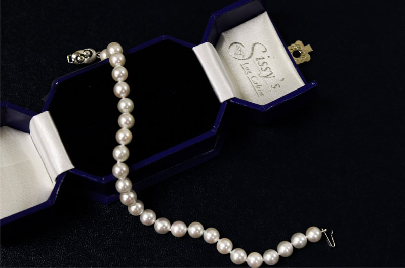 Sissys Log Cabin Commits To Creating Extraordinary Wedding Day Style Pearl Necklace
