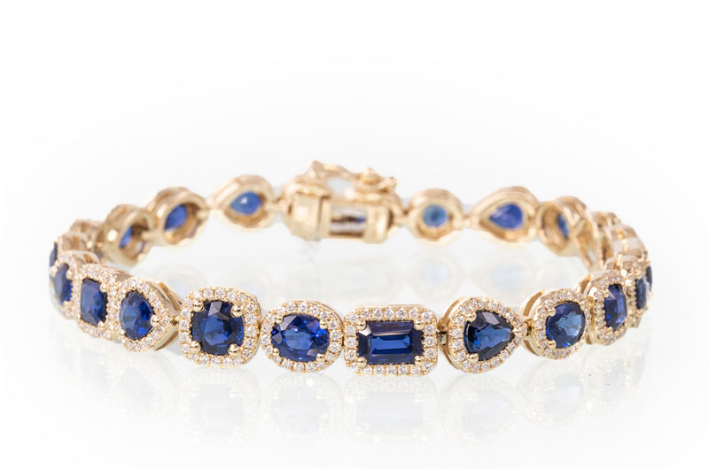 Sissys Log Cabin Commits To Creating Extraordinary Wedding Day Style Sapphire Bracelet